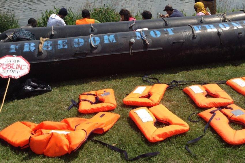 Solidarität mit Migrant_innen auf See